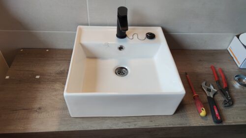 Lavabo sobre encimera instalado